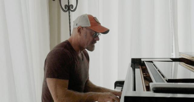 LIVE SESSION: Phil Vassar – 'Sound Of A Million Dreams'