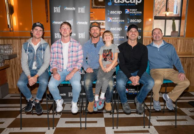 Dierks Bentley Celebrates Chart-Topping Success Of 'Living'