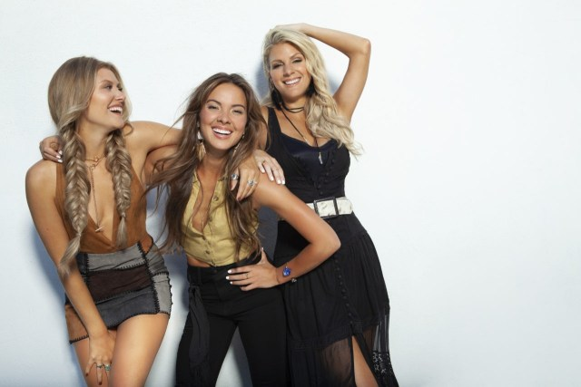 INTERVIEW: Naomi Cooke (Runaway June) On C2C, Album 2, Luke Bryan Tour & Much More!