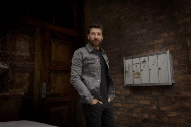 Brett Eldredge Releases 'Sunday Drive' Music Video