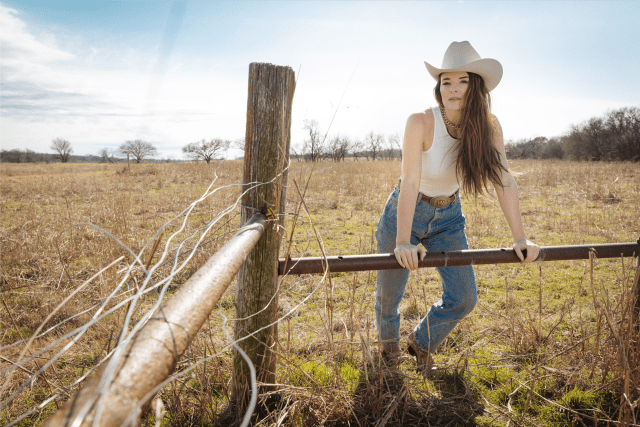 """Jenna Paulette Releases Music Video For """"Pretty Ugly"""""""