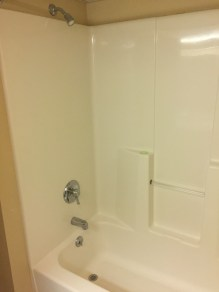 Shower:tub
