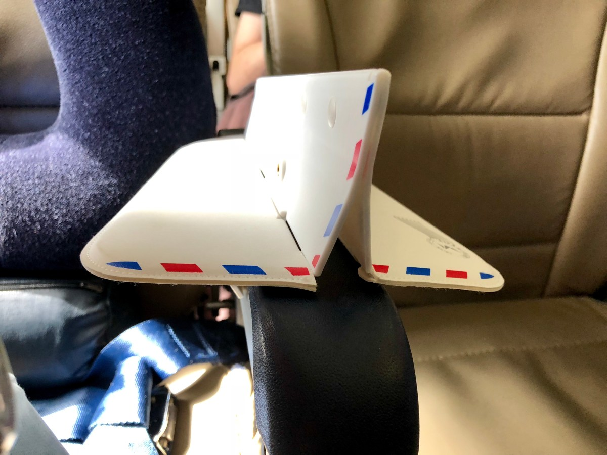 Product Review: Soarigami – Does It Really Solve The Airplane Armrest Problem?