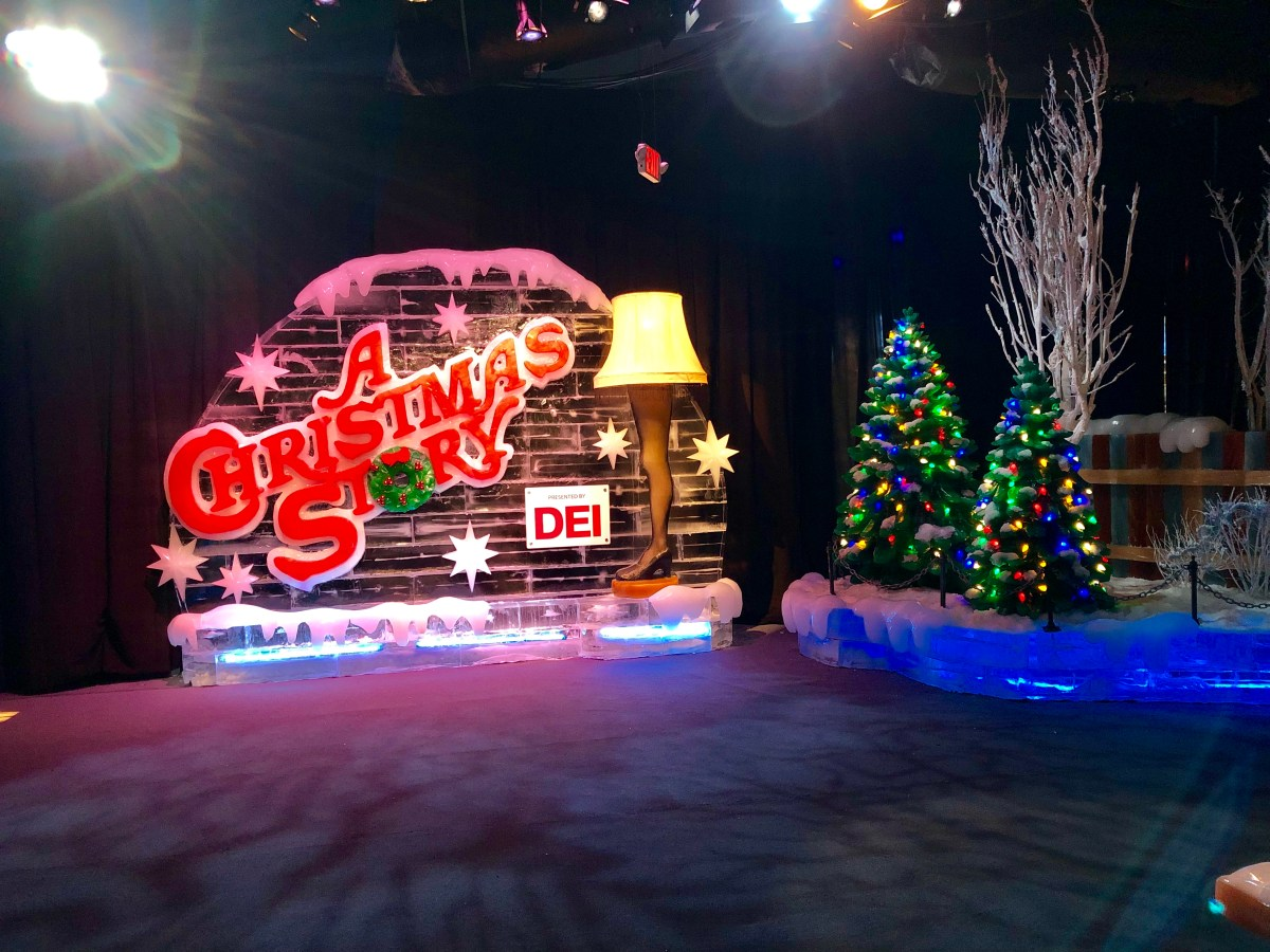 We Went To ICE! At The Gaylord Palms – The Scenes From A Christmas Story Were AMAZING! But…