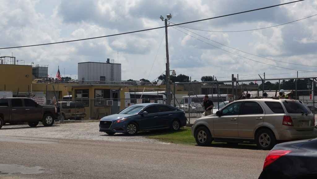 Scene outside a Mississippi poultry plant during August 2019 immigration raids