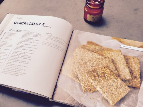 Recipe: Crunchy nut crackers