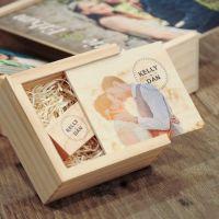 Boîte en bois et clés usb en bois