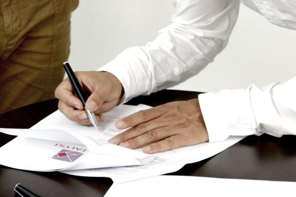 signature-2003808_1920