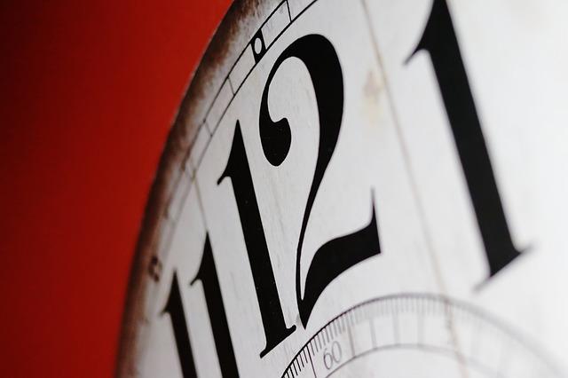 clock-2389384_640