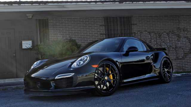 Detroit Motor Show 2016: Porsche Launches 2016 911 Turbo S, Turbo