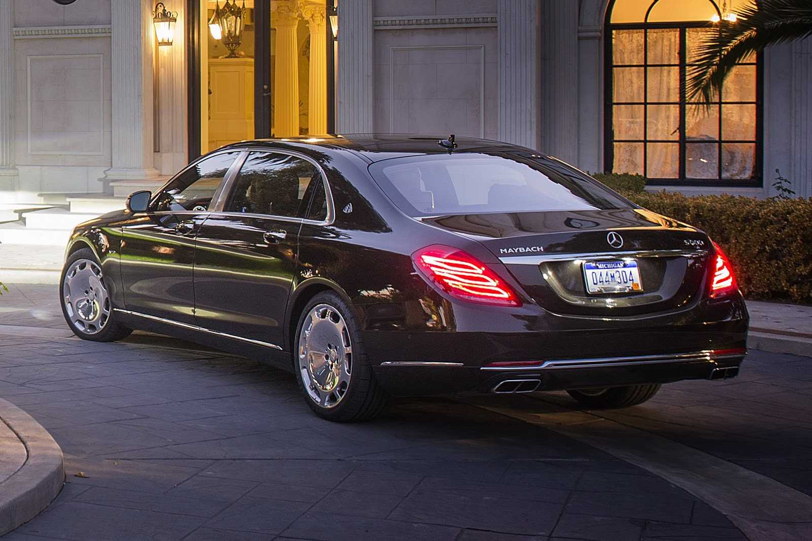 Mercedes Maybach S600 by Brabus Touted to Break all Speed Records Despite its Heavy Build