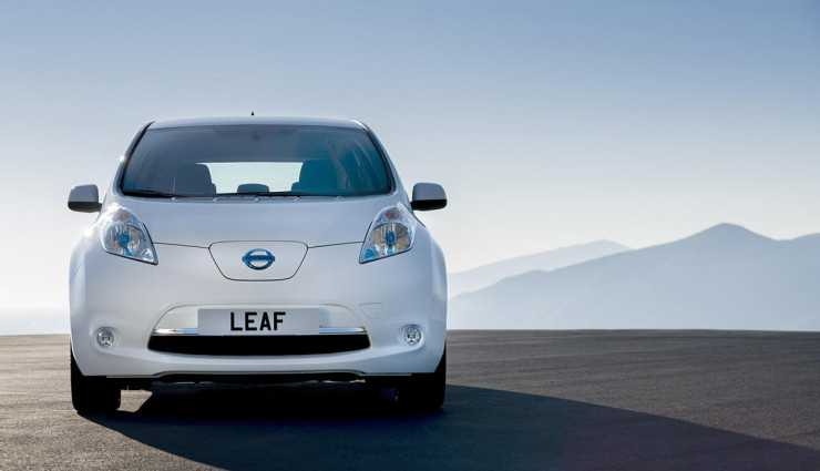 Nissan Leaf with Self-Driving Technology being tested with Plans of Launch in 2016