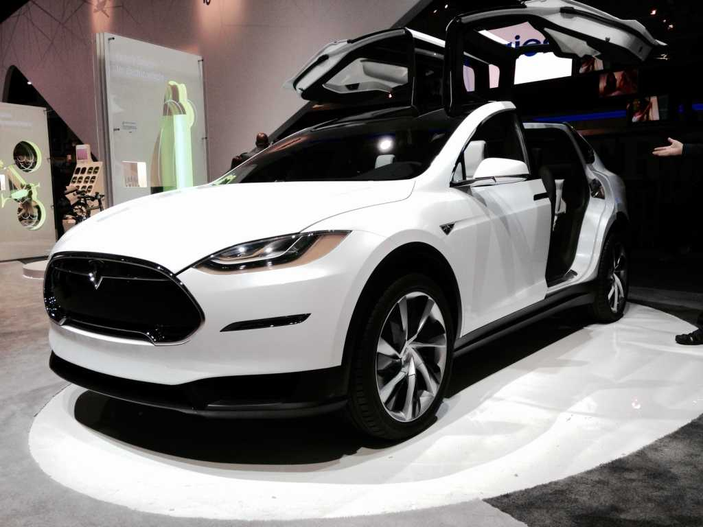 Tesla Celebrated Model X SUV Launch with a Live Streamed Party