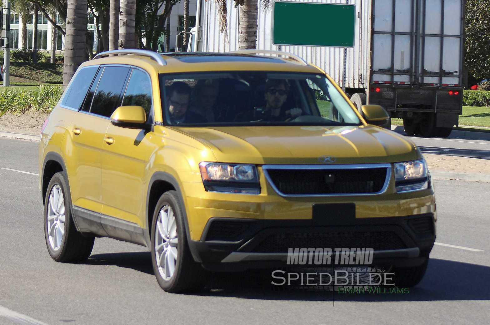 Volkswagen-Three-Row-Crossover-prototype-front-three-quarter-in-motion-04