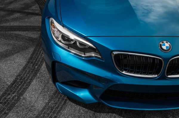 2016 BMW M2 coupe front