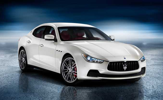 2017 Maserati Quattroporte Facelift Launched with Two Trim Levels