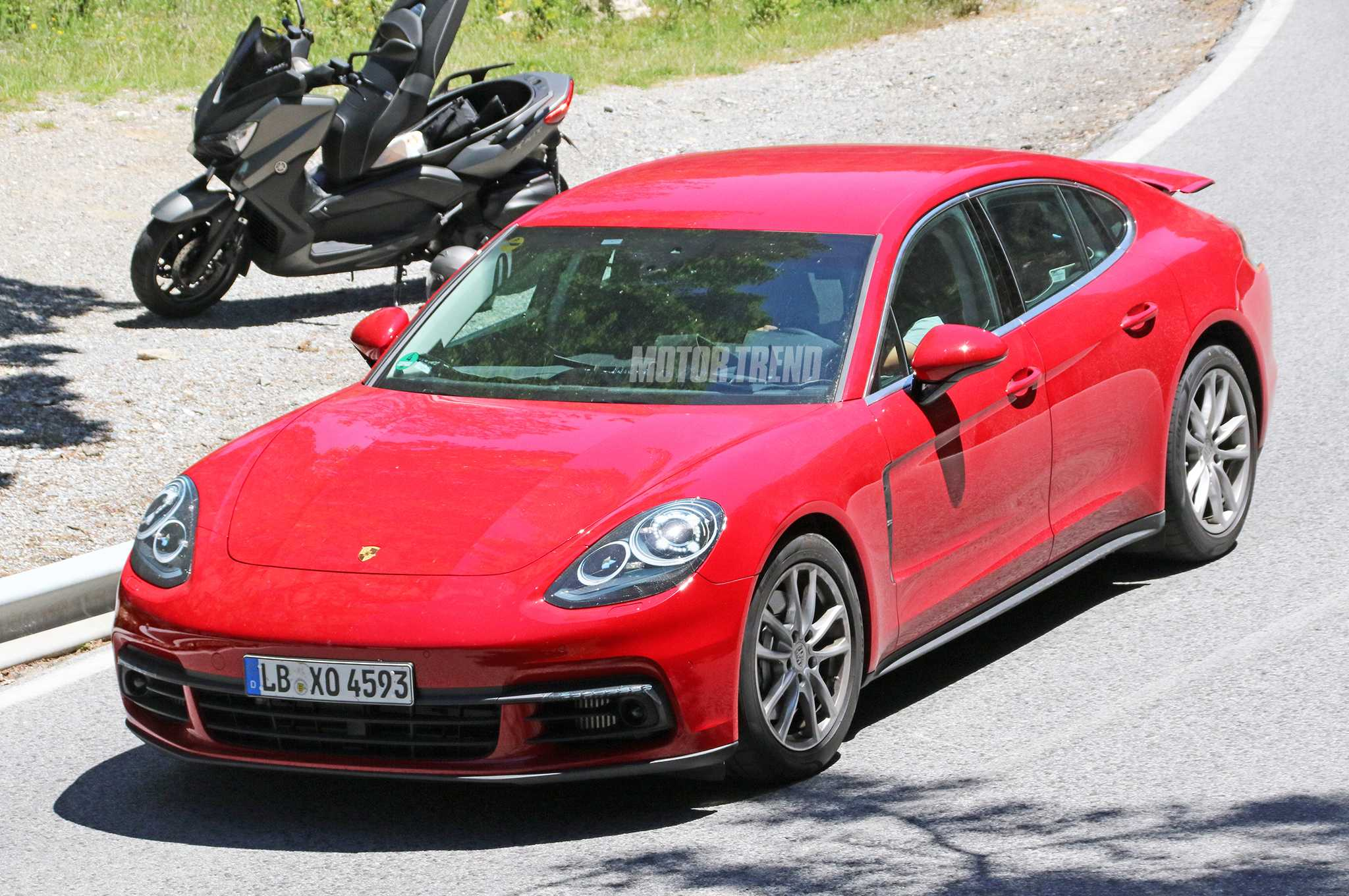 Porsche Panamera New Edition Spied Without Camouflage