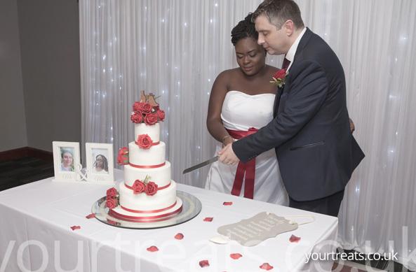 #CakeHappy Your Treats Bakery Testimonials
