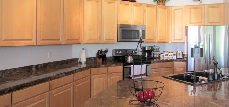 "1295 S Sandstone St, Gilbert AZ - Spacious Kitchen, 42"" Cabinets - Bill Salvatore, Realty Excellence East Valley - Arizona Elite Properties 602-999-0952"