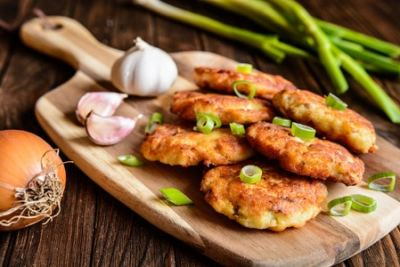 Tuna Patties With Lemon Dill Sauce