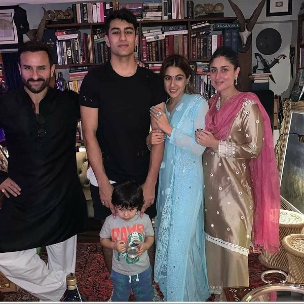 Sara Ali Khan with his family