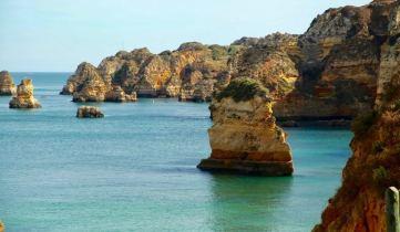 Praia da Dona Ana formations