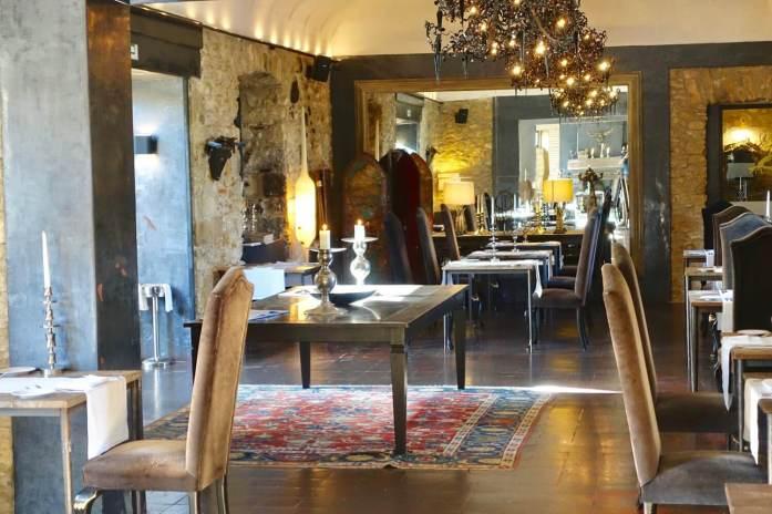 Castell d'Emporda dining room