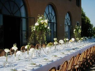 A Tuscan wedding table