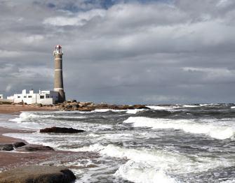 El Faro waves Jose Ignacio
