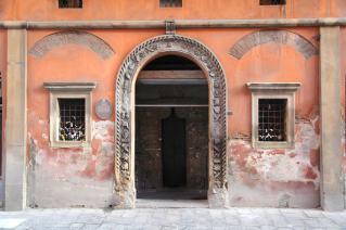 Bologna doorway