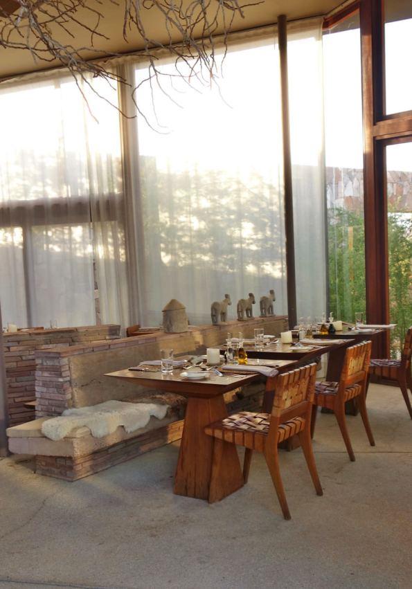 Tierra Atacama dining room