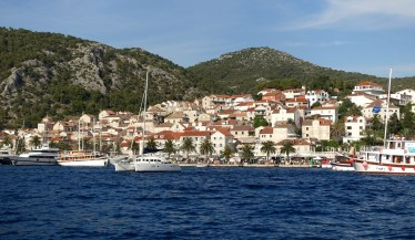 Hvar from water