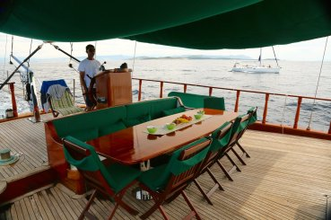 Queen of the Adriatic Ogi and table