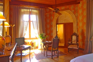 Chateau de Riell castle room