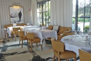 La Coorniche restaurant tables