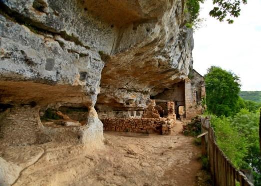 Abri de la Madeleine cave house
