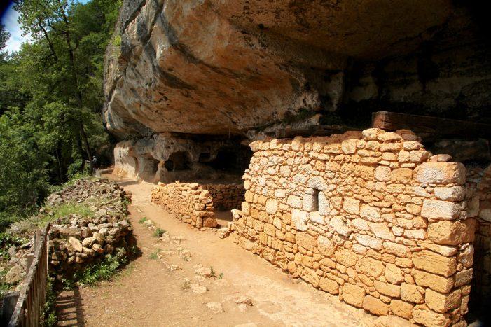 Abri de la Madeleine old settlement