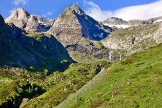 Cirque de Troumouse mountains