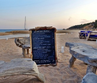 La Table de la Plage Murtoli menu board