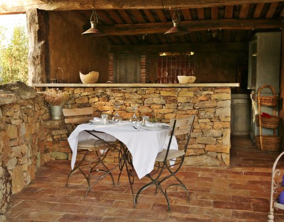 Domaine de Murtoli A Tiria outdoor dining