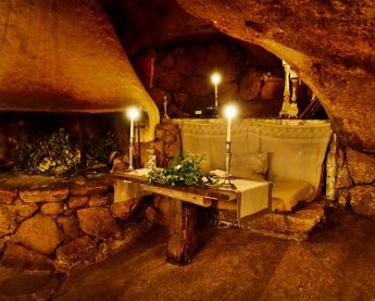 Domaine de Murtoli La Grotte dining table