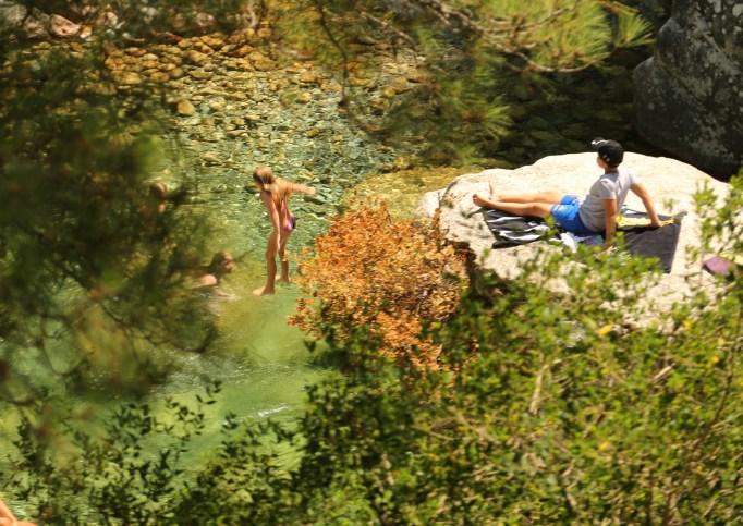 Gorge de Restonica rock jumper