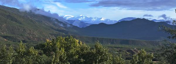 Estancia Colomé snowcap mountains