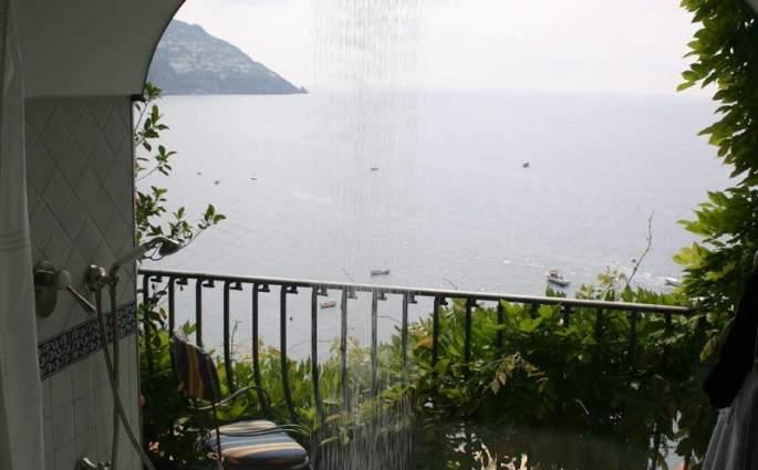 Albergo Miramare shower