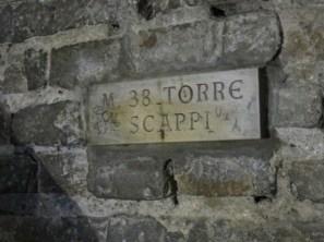 Torre Asinelli stairway