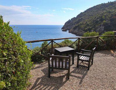 Il Pellicano cliff view