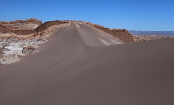 Atacama Val de Luna dune ridge