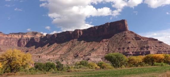 Gateway Canyons palisade fence back