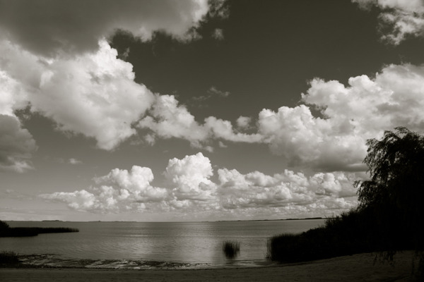 Four Seasons Carmelo clouds B&W river