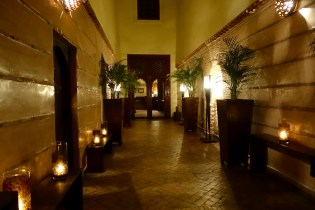 La Villa des Orangers entry hall